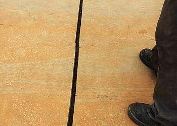 Junta de dilatação calçada de concreto