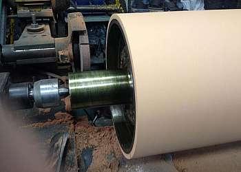 Revestimento de anel de borracha para rolo de impacto